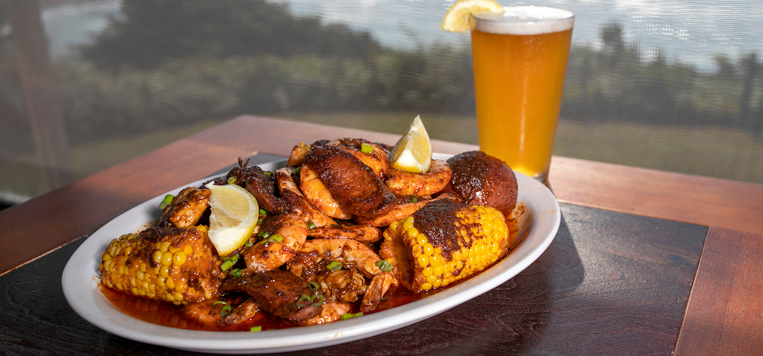 ENJOY DELECTABLE SEAFOOD AND ALL-AMERICAN FAVORITES WITH FRESH, BOLD FLAVORS.